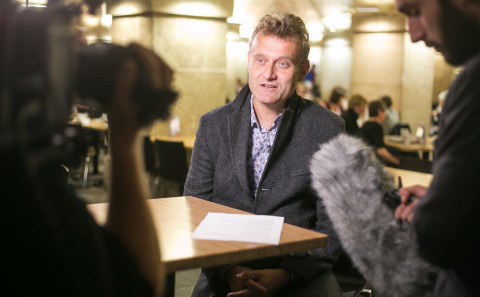 Hugh Dennis in the Crypt of St Martin-in-the-Fields