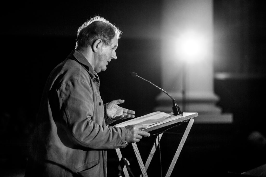 Author Michael Morpurgo gives a lecture.
